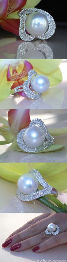 Impressive Southsea Pearl Diamond Ring, 0.98 ct. G-SI/VS WG18K - Visit: schmucktraeume.com - Like: https://www.facebook.com/pages/Noble-Juwelen/150871984924926 - Mail: info@schmucktraeume.com
