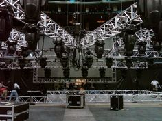 Building the truss rig and backstage screen.