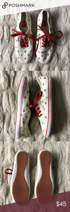 7c6d5f2735 NWOT Rare Vans Cedar with Embroidered Strawberries I absolutely LOVE these  rare low profile shoes from