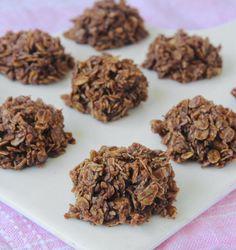 Chokladbollskakor, samma smet som till chokladbollar men här kokas smeten.Ljuvligt goda.Lindas Bakskola.