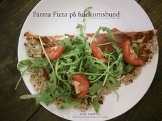 Parma pizza on whole wheat base. Get the full recipes on http://josephine.helbrandt.dk