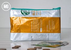 Love how Maggie Massey turned this Starbucks coffee ground bag into a BAG with a zipper. Feed Bag Tote, Feed Bags, Cheap Coffee, Coffee Branding, Coffee Pods, Starbucks Coffee, Bag Making, Sewing Projects, Creations