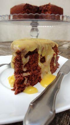 Yogurt cake with chocolate and lemon curd