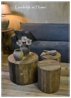 Stoere landelijke ronde boomstam salontafel Tree Stump Table, Salons Cosy, Living Spaces, Living Room, Log Furniture, Diy Interior, Sweet Home, Home And Garden, House Design