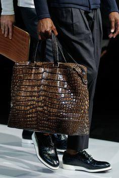 The modern alligator handbag Giorgio Armani, Handbags For Men, Vintage Handbags, Big Bags, Leather Accessories, Beautiful Bags, Fashion Bags, Men's Fashion, Leather Men