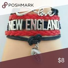 New England Patriots Bracelet Denver Broncos Jewelry Set- Denver Broncos Bracelet & Earrings - Charm Football Jewelry Set  WHO LOVES FOOTBALL?! Show your Pride for the New England Patriots with this handmade sports bracelet. This listing is for one New England Patriots charm bracelet. 6 inches in length with an additional 2 inch extension. Absolutely adorable, you'll be in a hurry to show it off to your friends and family! Jewelry Bracelets