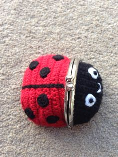Frog Coin Purse pattern by Laura Sutcliffe Coin Purse Pattern, Crochet Coin Purse, Crochet Purses, Crochet Case, Love Crochet, Crochet Gifts, Crochet Ladybug, Coin Purse Wallet, Coin Purses