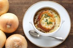 Make this delicious recipe for French Onion Soup in the slow cooker! #slowcooker #frenchonionsoup