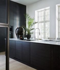 The best kitchen decor inspirations for your industrial home interior design. Modern Kitchen Interiors, Modern Kitchen Design, Interior Design Kitchen, Kitchen Designs, Contemporary Interior, Black Kitchen Cabinets, Black Kitchens, Home Kitchens, Kitchen Black