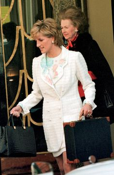 Princess Diana and her Stepmother, Raine Countess Spencer Princess Diana Rare, Princess Diana Photos, Princess Of Wales, Real Princess, Spencer Family, Lady Diana Spencer, Charles Spencer, Diana Fashion, Queen Of Hearts