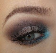 brown and aqua smoky eye