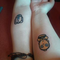 Jesse and my tattoo  I got c3po #tattoo #husbandandwife #couplestattoo