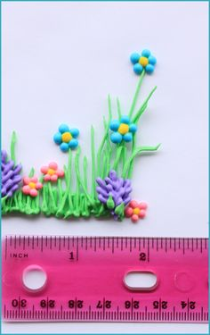 How to make Easy Spring Flower Transfers- Can use this to pipe in buttercream directly on to the cake