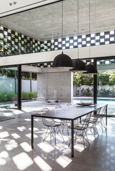 http://www.dezeen.com/2015/02/21/pitsou-kedem-israel-in-praise-of-shadows-house-perforated-screens/