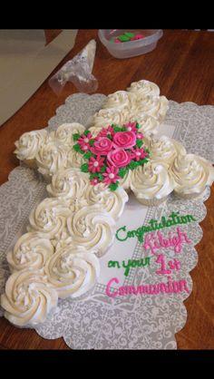 1st Communion pull apart cupcake cake