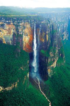 写真ニュース(1/1): 【ベネズエラ】ギアナ高地 果てしなく広がる「失われた世界」 世界最大落差の滝へ
