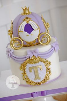 Princess carriage cake.