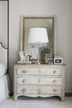 Nest and Cot interior design by Things That Inspire, via Flickr Table top styling