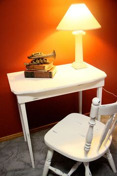 Shabby Chic SIDE/HALL TABLE.