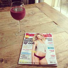 Nieuwe womens health met een heerlijke smoothie