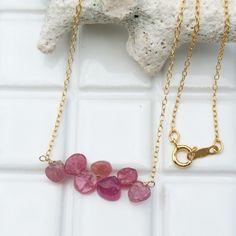 ピンクサファイア連なるネックレス | iichi(いいち)| ハンドメイド・クラフト・手仕事品の販売・購入
