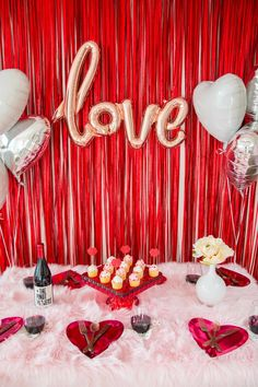 A Stylish V-Day Cocktail Party