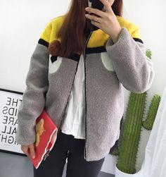 Áo khoác nữ thời trang, thiết kế họa tiết phối màu sắc trẻ trung giá rẻ nhất