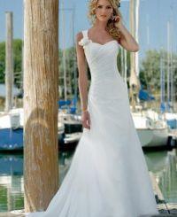 Una línea asimétrica capilla tren gasa vestidos de boda en la playa  156,99 € http://es.wikipedia.org/wiki/Vestido_de_novia