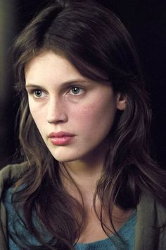 Marine Vacth Joven y bonita Beauty Makeup, Hair Makeup, Hair Beauty, Aesthetic People, Young And Beautiful, Female Portrait, Woman Face, Pretty Face, Pretty People