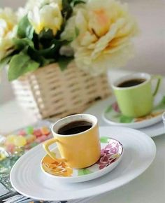 Coffee Drinks, Coffee Cups, Drinking Coffee, Coffee Is Life, Coffee Lovers, Coffee Pictures, Turkish Coffee, Espresso Cups, Hot Chocolate