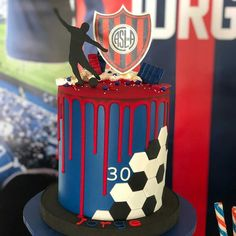 Football Birthday Cake, Soccer Birthday Parties, Big Cakes, Cute Cakes, Bolo Do Barcelona, Football Cakes For Boys, Liverpool Cake, Cake For Husband, Soccer Cake