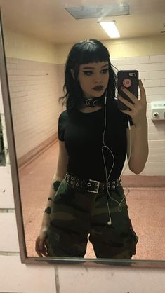 7 tips for girls who want to take off cute punk outfits punk outfits are cute and nervous and always . - maaghie : 7 tips for girls who want to take off cute punk outfits punk outfits are cute and nervous and always . Pop Punk Fashion, Gothic Fashion, Look Fashion, Fashion Outfits, Womens Fashion, Lolita Fashion, Fashion Boots, Grunge Fashion Winter, Prep Fashion