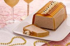 Il patè di fegato è  un'indiscussa prelibatezza della grande cucina francese e vanta antichissime origini, infatti era già conosciuto dagli Egiziani nell'epoca dei faraoni. Charcuterie, Mousse, Sandwich Cake, Hors D'oeuvres, Antipasto, Savoury Cake, Food Design, Biscotti, Finger Foods
