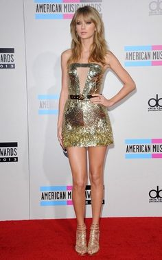 Taylor Swift - Arrivals at the American Music Awards