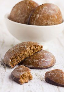 A gingerbread recipe that will enchant everyone: almonds, cloves and orange peel . - A gingerbread recipe that will enchant everyone: almonds, cloves and orange peel make these gingerb - Cookies Healthy, Healthy Cookie Recipes, Gluten Free Cookies, No Bake Cookies, Cake Recipes, Christmas Desserts, Christmas Baking, Christmas Cookies, Menu Dieta