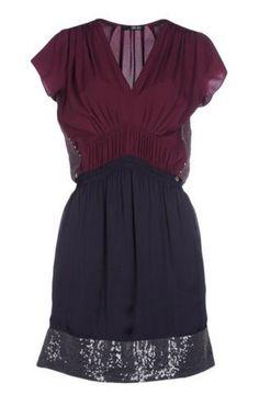 Vestido púrpura con lentejuelas, de Liu Jo