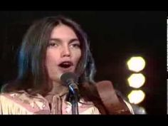 Emmylou Harris - C'est la vie (you never can tell) 1978 - YouTube