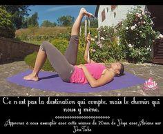 Retrouvez tous mes cours de Yoga en ligne gratuits sur YouTube en vous rendant sur YogaCoaching! Plus de 30 cours de Yoga en français!