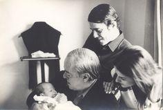 Chico Buarque, Marieta Severo, Sílvia Buarque (bebe) e Vinicius de Moraes em 1969 durante o exílio na Roma