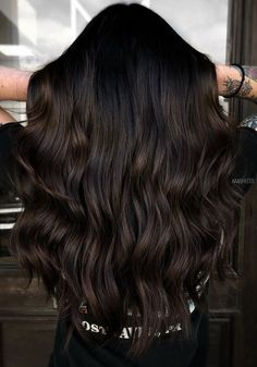 Brown Hair Balayage, Balayage Brunette, Dark Brown Balayage, Dark Hair Highlights, Black Hair With Lowlights, Dark Hair Balyage, Chocolate Highlights, Baylage, Hair Color For Black Hair