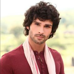 Just saw the bollywood movie Ramaiya Vastavaiya... love Girish kumar! #bollywoodmovie #RamaiyaVastavaiya #handsomeactor #follow me