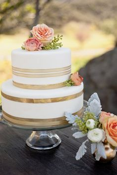Love this cake! {Credit: A Charming Occasion} #weddings #cakes