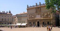 Avignon: tourism, visits, museums, lodging, festival, …