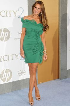 I would still wear this dress. Melania Trump Photo - Mercedes-Benz And Maybach Present Sex And The City 2 Premiere Trump Melania, Melania Trump Pictures, Melania Knauss Trump, Donald And Melania Trump, First Lady Melania Trump, Milania Trump Style, Donald Trump Family, Trump Photo, Malania Trump