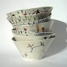 Just fallen in love with Alice Garland's beautiful, pretty ceramics Template ceramic bowls, painted glazed pattern. I like the shape and simplicity of these bowls Glass Ceramic, Ceramic Clay, Ceramic Plates, Pottery Bowls, Ceramic Pottery, Earthenware, Stoneware, Cerámica Ideas, Cooler Stil