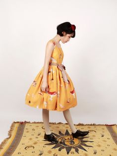 **Broken mushrooms*Printed Lolita Jumper Skirt Vintage Dresses, Nice Dresses, Girls Dresses, Fasion, Fashion Outfits, Gothic Lolita Dress, Japanese Streets, How To Purl Knit, Female Poses