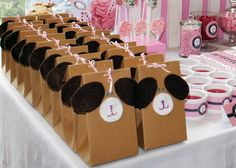 Lajari - Puppy Party Favour Boxes - Sooo cute  but with blue instead of pink