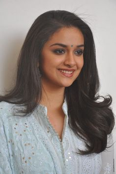 Keerthy Suresh Stills at Mahanati Film Interview. Keerthy Suresh donned a pastel blue chikankari palazzo suit which she styled it with a pair of silver oxidized jhumkis and silver kolhapuri chappals.