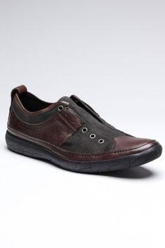 Akron Laceless Sneaker