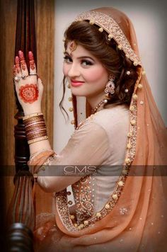 Lovely lady Indian Bridal Outfits, Pakistani Wedding Dresses, Pakistani Bridal, Bridal Dresses, Wedding Girl, Wedding Bride, Brides 2017, Punjabi Bride, Punjabi Suits